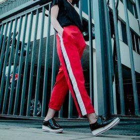 Trending: de broek met zijstreep
