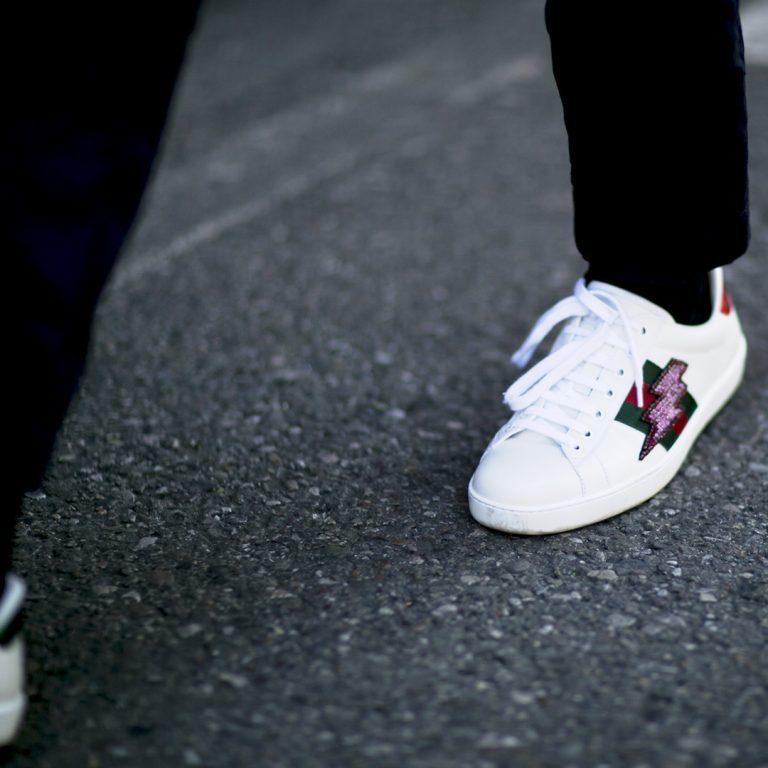 heren sneakers met pak
