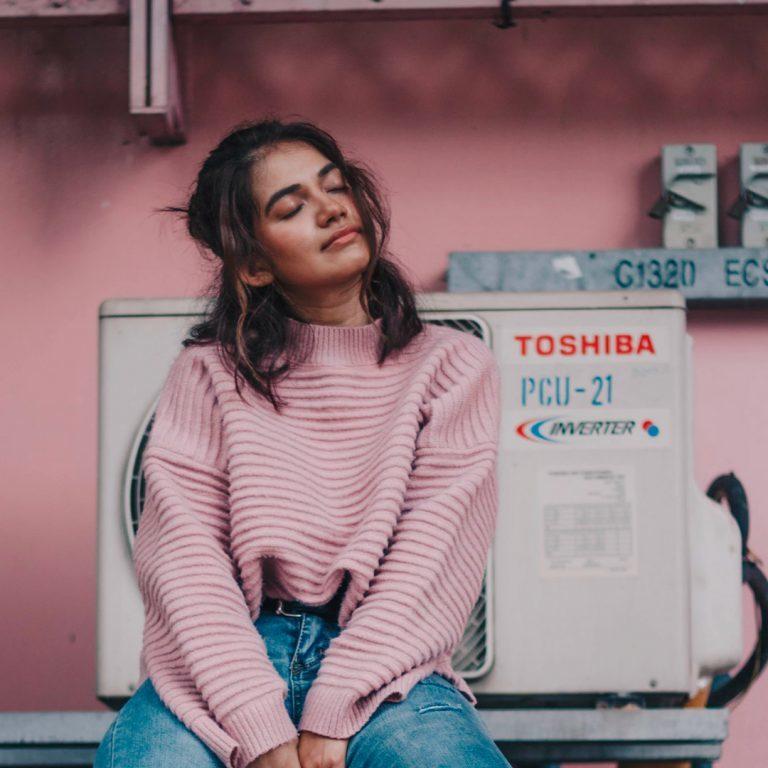 roze truien kopen