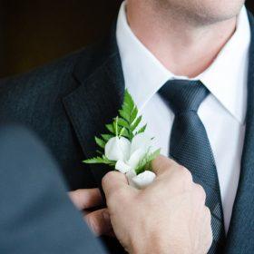 Dit draag je als man op een huwelijksfeest