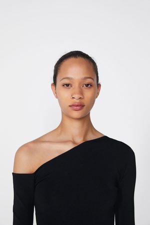 Zara Tricot top met asymmetrische hals