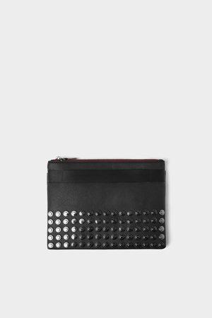 Zara Zwarte generfde clutch met studs