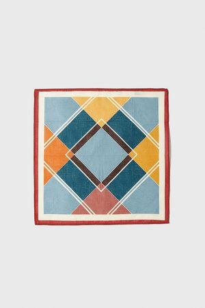 Zara Pochet met geometrische print