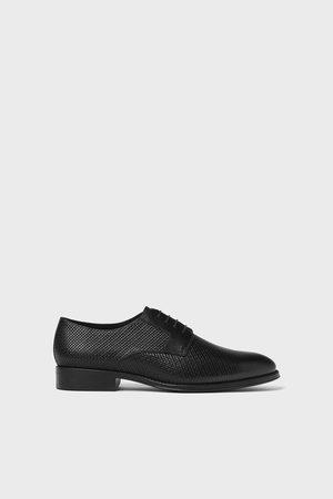 Zara Bewerkte leren schoenen