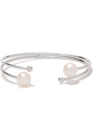 Yoko London 18kt white gold Novus diamond and pearl cuff