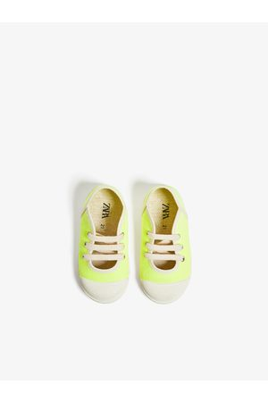 Zara Sneakers met verstevigde neus