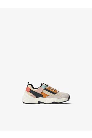 Zara Sneakers met gekleurde stukken