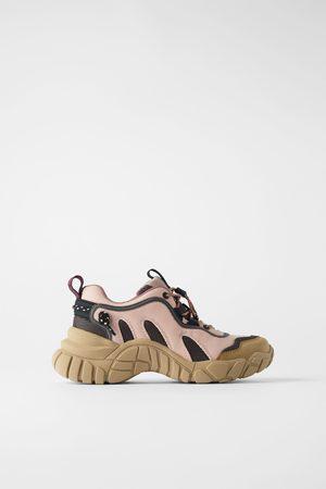 Zara Sneakers in bergschoenstijl