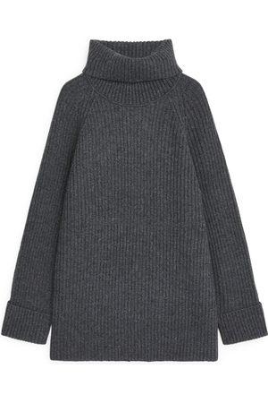 ARKET Dames Blouses - Oversized Ribbed Tunic - Grey