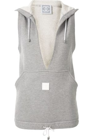 CHANEL 2005's sport line sleeveless tops vest