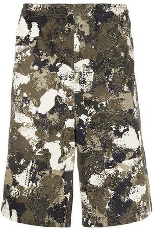 MARCELO BURLON Heren Bermuda's - Camouflage print bermudas