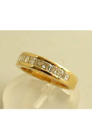 Christian 18 karaat ring met diamanten