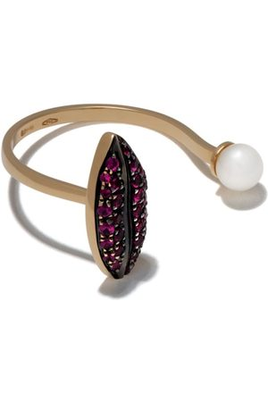 DELFINA DELETTREZ 18kt yellow gold Lips Piercing ruby and pearl ring