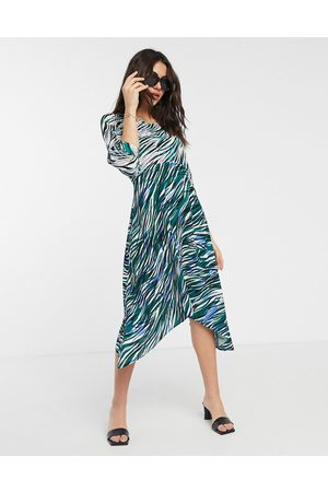 Closet Closet wrap midi dress with puff sleve in mixed print-Green