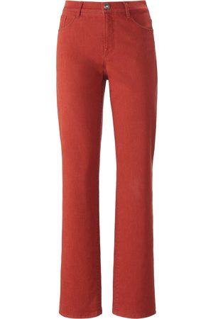 Brax Feel Good Feminine Fit-jeans model Nicola Van