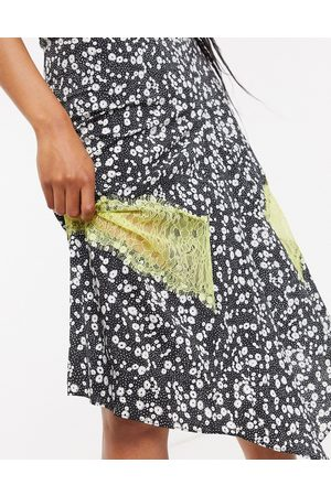 Lost Ink Midi skirt with contrast lace trim in ditsy floral print-Multi