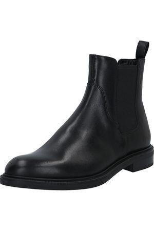 Vagabond Chelsea boots