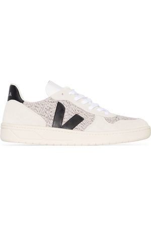 Veja Off white V-10 low top sneakers