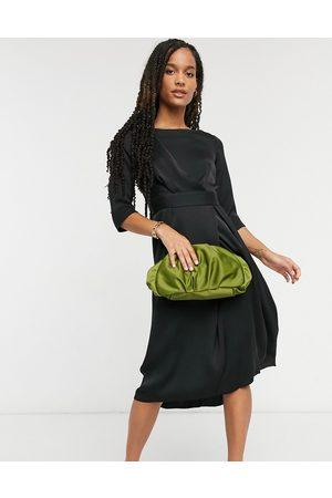Closet Closet a-line pleated dress in black