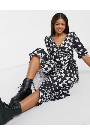ASOS Dames Casual jurken - Textured midi smock dress in black and white dogtooth
