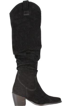 TANGO Ella square 4-d black high waxed suede slobby boot