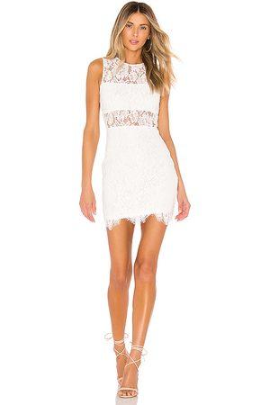 superdown Dames Mouwloze jurken - Suri Sleeveless Mini Dress in
