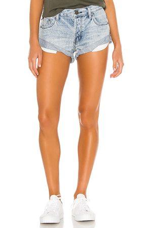 ONE TEASPOON Dames Shorts - Bandits Denim Short in . Size 22 (also in 23, 24, 25, 26, 27, 28, 29, 30, 31).
