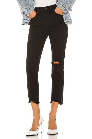 Levi's 724 High Rise Straight Crop in . Size 23 (also in 24, 25, 26, 27, 28, 30, 31, 32).