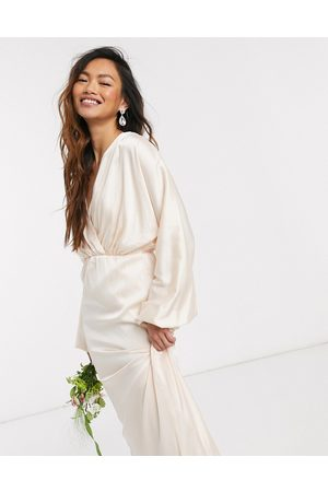 TFNC Bridesmaids long sleeve sateen maxi dress in light blush-Cream