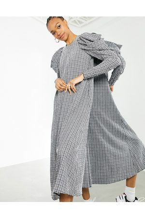 ASOS Seersucker check midi dress with puff sleeve in black and white-Multi