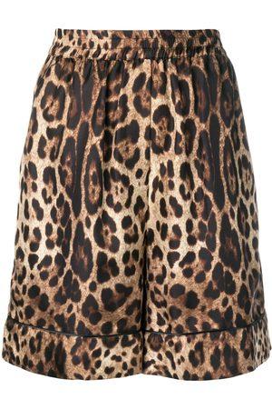 Dolce & Gabbana Dames Shorts - Leopard print shorts