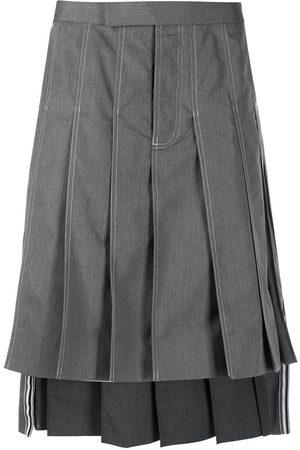 Thom Browne Heren Bermuda's - Knee-length pleated skirt