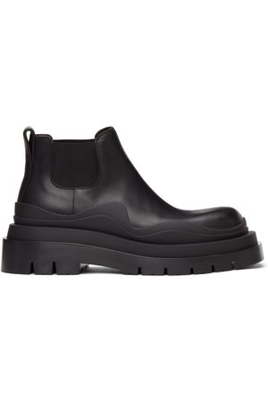 Bottega Veneta Dames Enkellaarzen - Black Low 'The Tire' Chelsea Boots