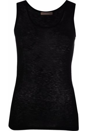 12 STOREEZ Knitted tank top