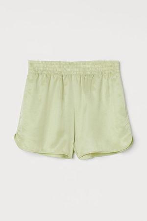 H & M Pull-on short