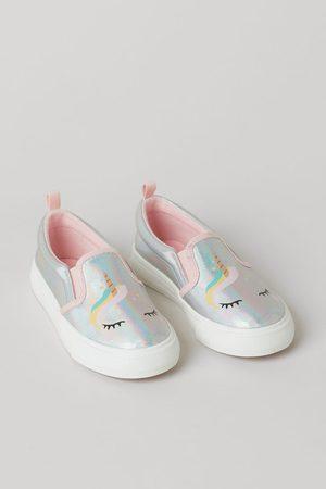 H&M Glanzende slip-on sneakers