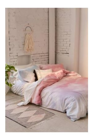 Urban Outfitters Dreamy Duvet Cover Set With Reusable Drawstring Bag