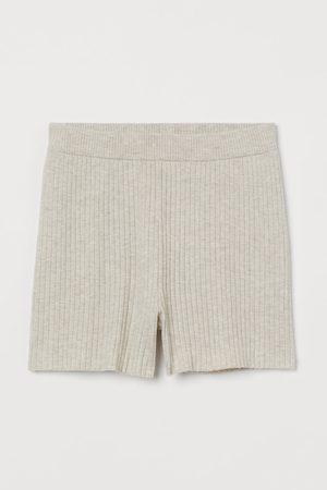 H&M Ribgebreide short