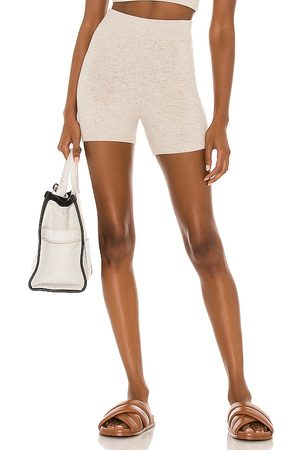Weekend Stories Dames Shorts - Maddox Short in