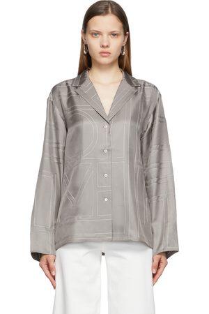 Totême Dames T-shirts - Grey Silk Monogram PJ Shirt