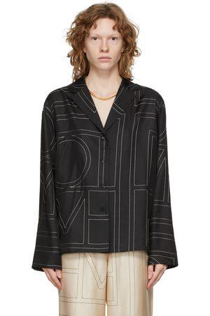 Totême Dames T-shirts - Black Silk Monogram PJ Shirt