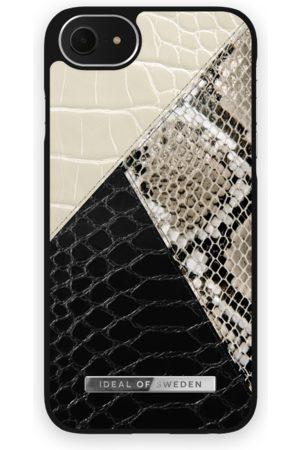 Ideal of sweden Atelier Case iPhone 8 Night Sky Snake