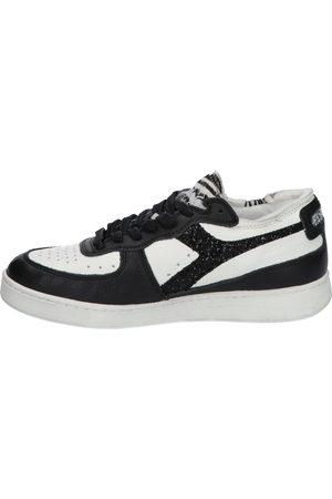 Diadora Dames Lage sneakers - Mi Basket Row Cut 201.177826 C0351 White/Black Lage sneakers