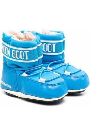 Moon Boot Crib 2 boots