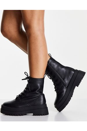 London Rebel Lace up chunky boot in black