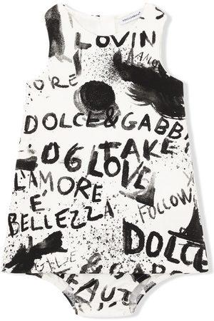 Dolce & Gabbana Kids Sleeveless graffiti-print dress