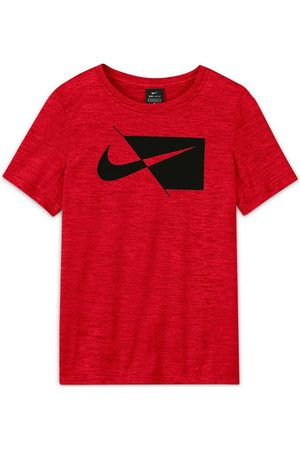 Nike Core big kids' (boys') short-s