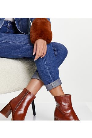 ASOS Wide Fit Revival round toe block heeled boots in tan-Brown