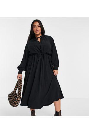 ASOS ASOS DESIGN Curve textured midi smock dress with drawstring detail in black