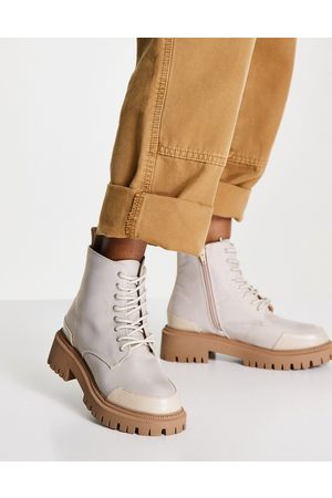 London Rebel Chunky lace up ankle boots with toe cap in -Neutral
